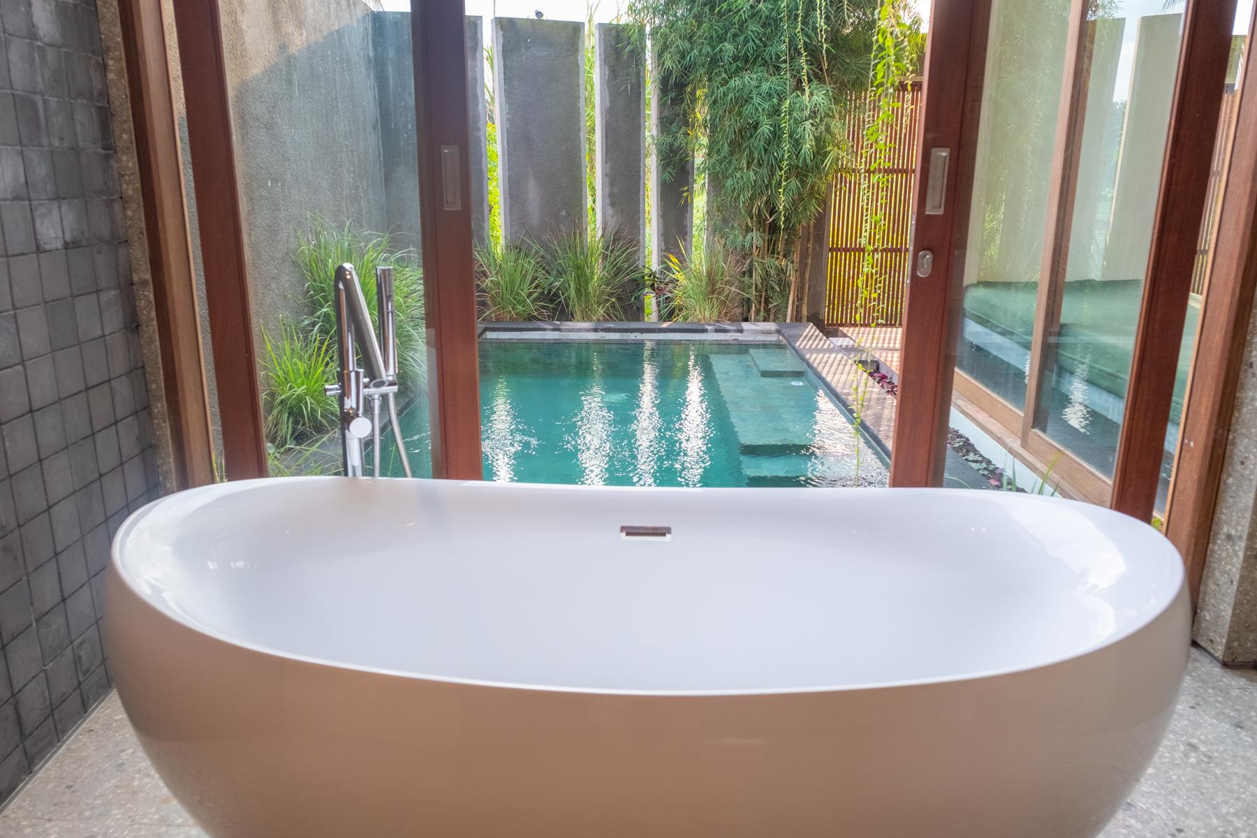 Bathtub 1st floor